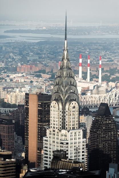 Les Rues Et Les Toits De Manhattan Avec Chrysler Building. New York City Manhattan Midtown Vue à Vol D'oiseau Photo Premium