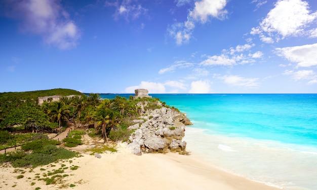 Ruines mayas de tulum à riviera maya Photo Premium