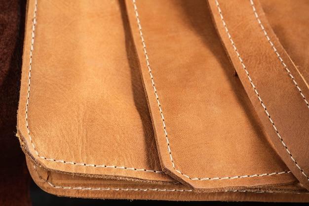 Sac en cuir avec le fond. Photo Premium