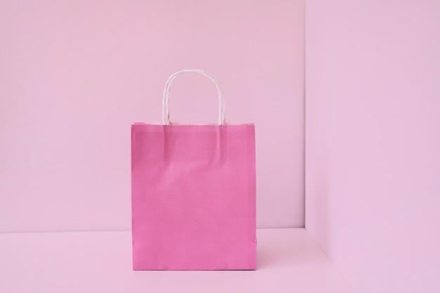 Sac à provisions en papier rose Photo gratuit