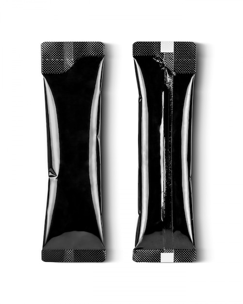 Sachet de bâton de café en aluminium noir isolé sur fond blanc Photo Premium