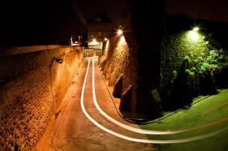 Saint malo scène de rue d'orange Photo gratuit