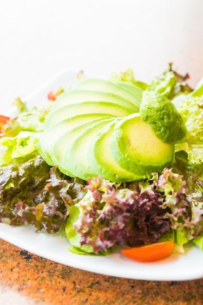 Salade d'avocats Photo gratuit