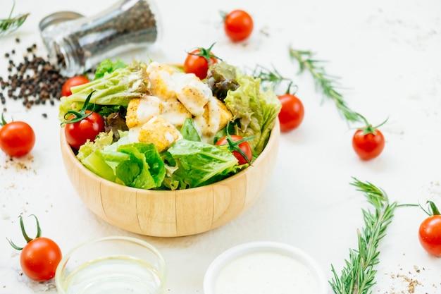 Salade césar Photo gratuit