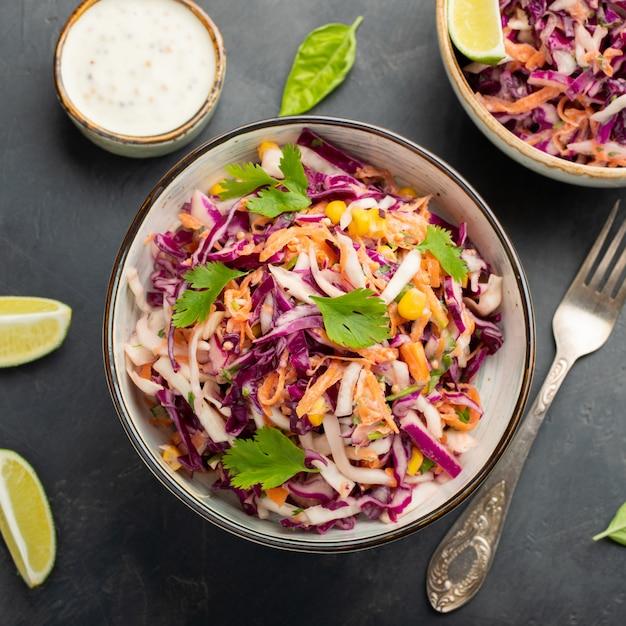 Salade De Chou Classique. Photo Premium