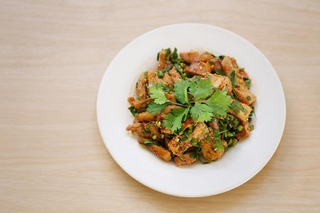 Salade De Porc Grillée épicée. Photo Premium