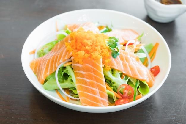 Salade de saumon Photo gratuit