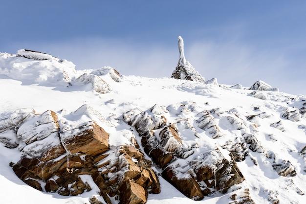 Sanctuaire de la virgen de las nieves dans la sierra nevada Photo Premium
