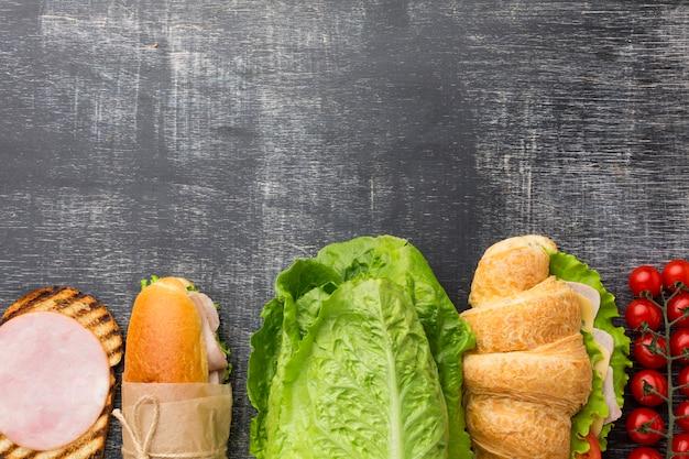 Sandwiches Et Ingrédients à Plat Photo gratuit