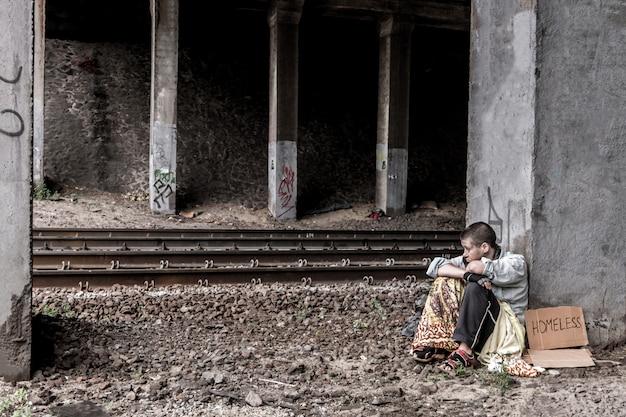 Sans-abri désespérée Photo Premium