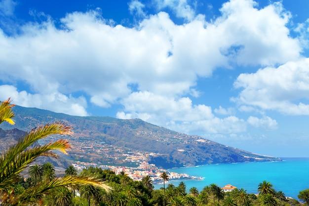 Santa cruz de la palma dans les îles canaries atlantiques Photo Premium