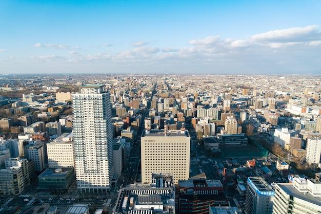 Sapporo hokkaido japan, nov 2018: vue du paysage urbain de sapporo depuis la tour jr de sapporo Photo Premium