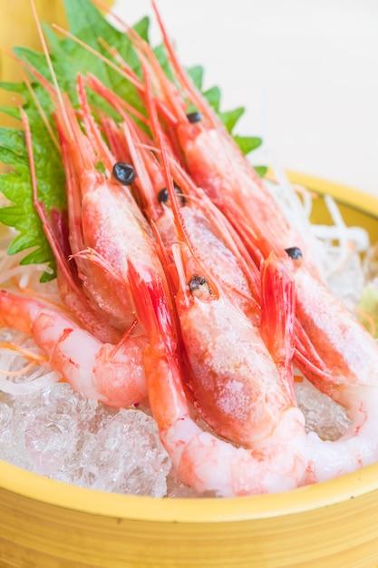 Sashimi de crevettes crues et fraîches Photo gratuit