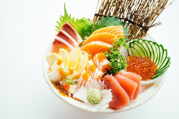 Sashimi Mélangé Brut Et Frais Au Saumon, Au Thon, Au Hamaji Et à D'autres Photo gratuit