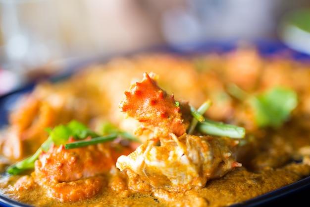 Sauté à l'ail, crabe royal de l'alaska Photo Premium