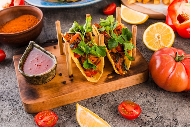 Savoureuse cuisine mexicaine Photo gratuit