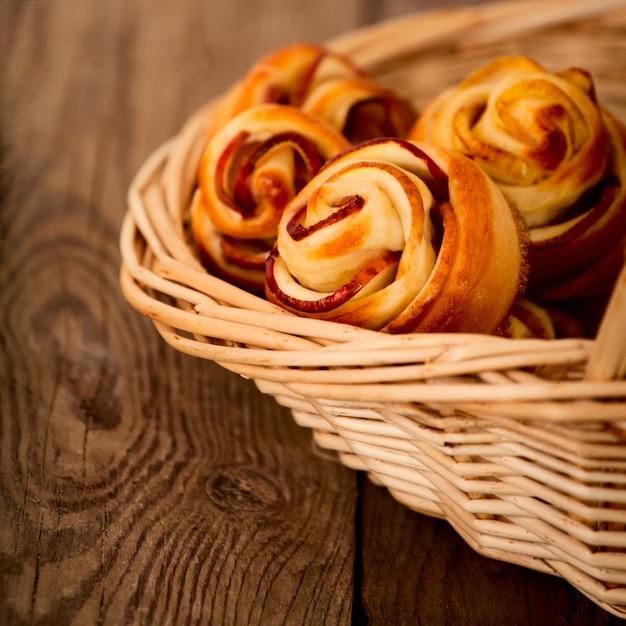 Savoureux gâteaux aux pommes faits maison Photo Premium