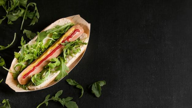 Savoureux Hot-dog Avec Espace De Copie De Légumes Photo gratuit