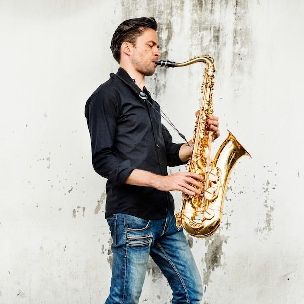 Saxophone alto artiste classique jazz musicien sax concept Photo Premium