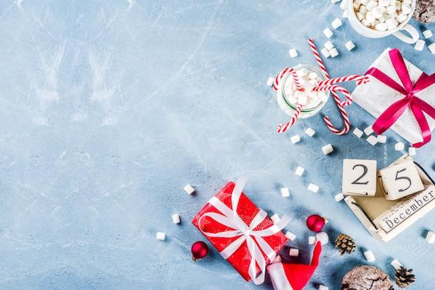 Scène De Noël Avec De La Nourriture Traditionnelle Photo Premium