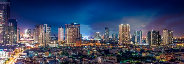 Scène de nuit paysage urbain Photo Premium
