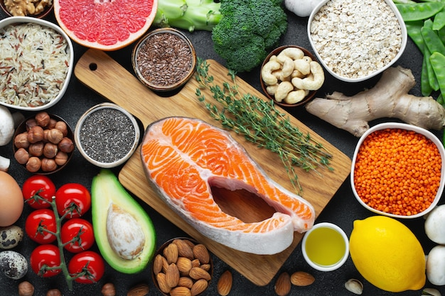 Une sélection d'aliments sains et équilibrés ...