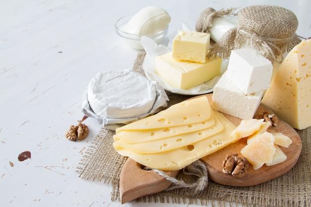 Sélection de lait et de produits laitiers Photo Premium