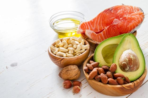 Sélection de sources de graisse saines Photo Premium