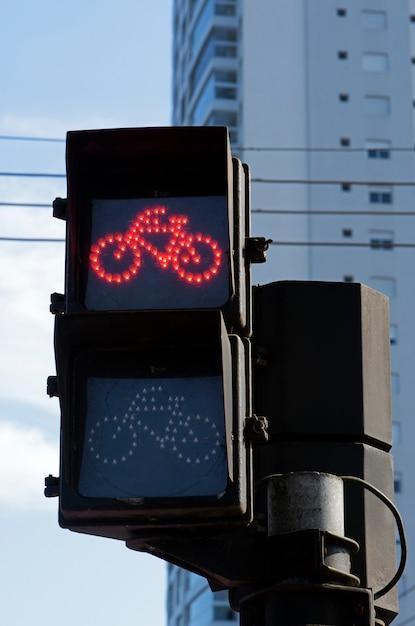 Sémaphore sur rouge pour vélo Photo Premium