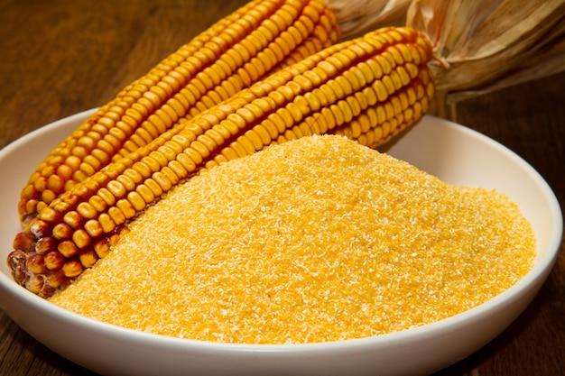 Semoule de maïs Photo Premium