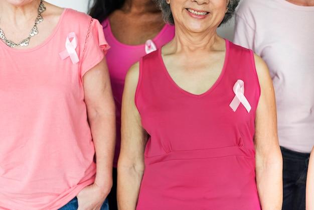 Sensibilisation au cancer du sein chez la femme Photo Premium