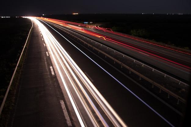 Sentiers de lumière sous le pont Photo Premium