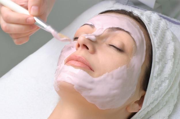 Série De Salon De Beauté, Masque Facial Photo Premium