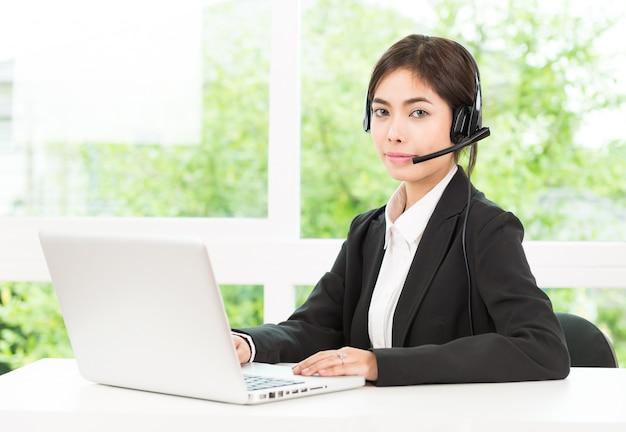 Service d'appel client femme Photo gratuit