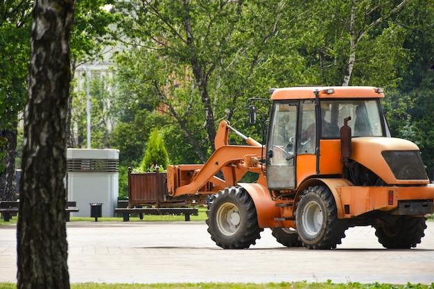 Le service de transport de la ville s'engage à rendre les rues plus vertes en faveur de l'écologie Photo Premium