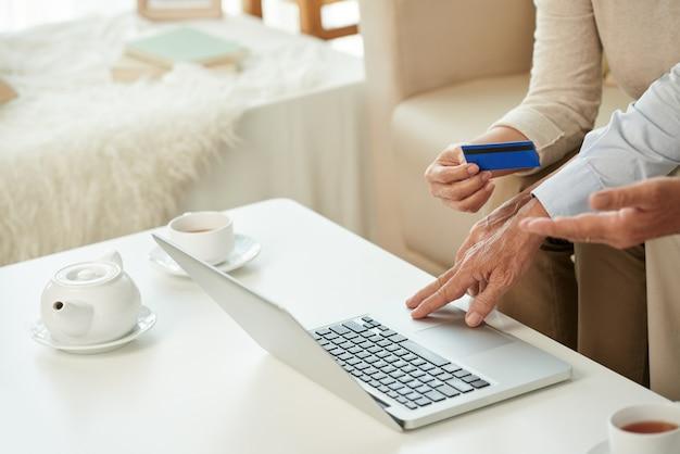 Services bancaires en ligne Photo gratuit