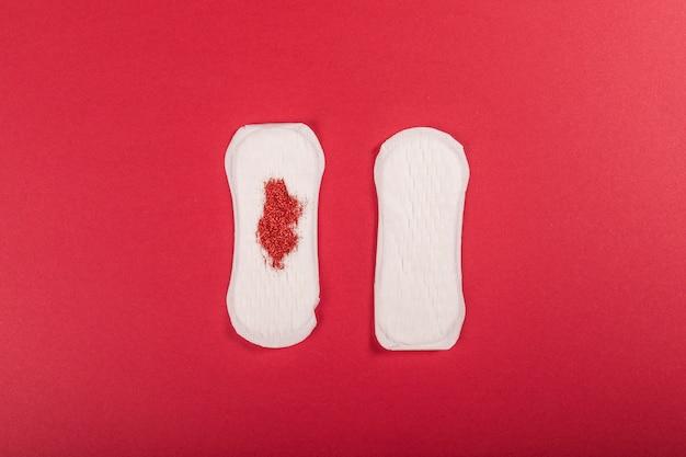 Serviette hygiénique avec paillettes Photo gratuit