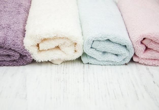 Serviettes de spa colorées Photo Premium