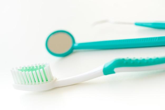 Set De Brosse à Dents Pour Les Soins Dentaires Photo Premium
