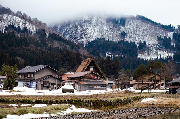Shirakawago en hiver Photo Premium