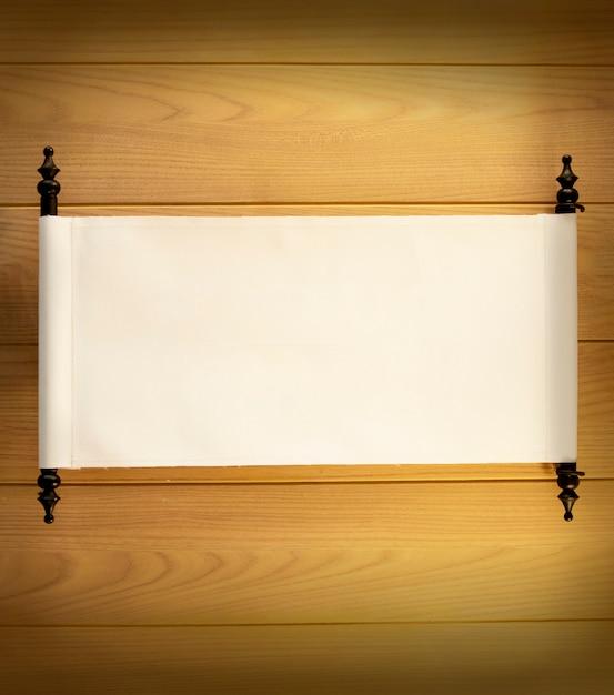 Signe vierge antique sur le fond de cloison en bois Photo Premium
