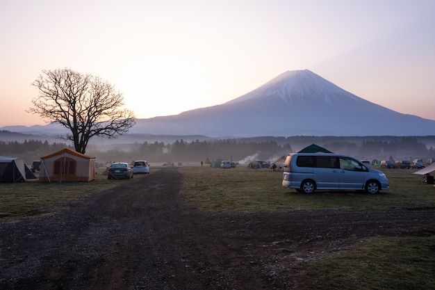Site de camping fumotoppara au japon Photo Premium