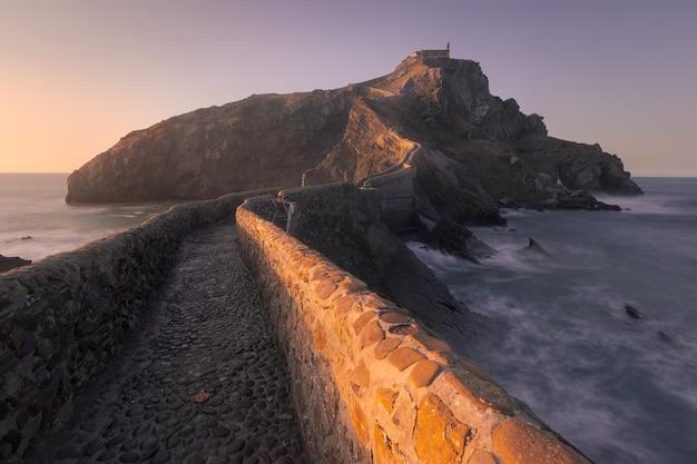 Le Site Le Plus Célèbre De La Côte Basque, Gaztelugatxe, à Biscaye, Au Pays Basque. Photo Premium