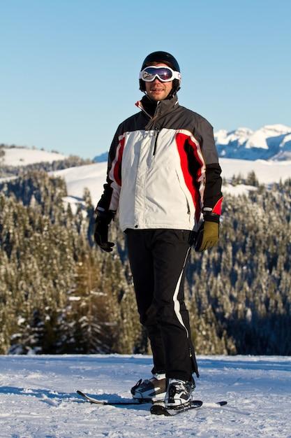 Skieur en montagne Photo Premium