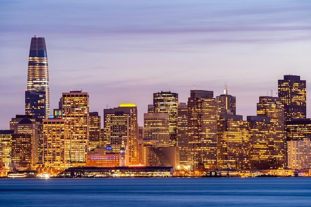Skyline Du Centre-ville De San Francisco Photo Premium