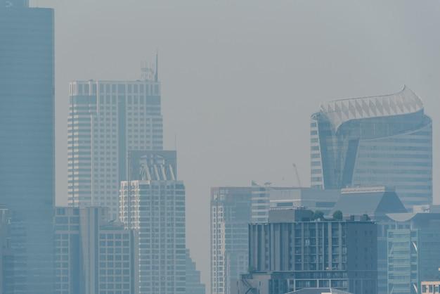 Smog pm2.5 poussière dépasse la valeur standard de bangkok Photo Premium