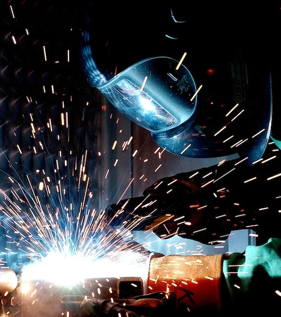 Soudeur Soudure Chaude Metallurgie De Radio A Souder