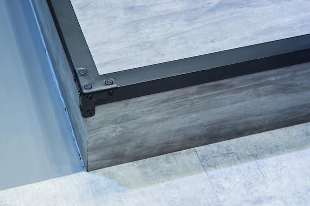 Soulever le système de plancher à l'intérieur. Photo Premium