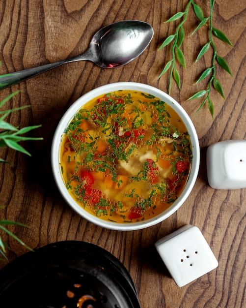 Soupe Minestrone Sur La Table Photo gratuit