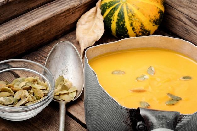 Soupe de potiron de saison Photo Premium